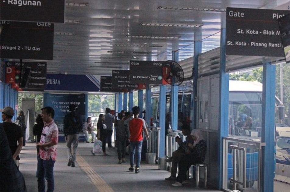 Halte busway atau bus TransJakarta